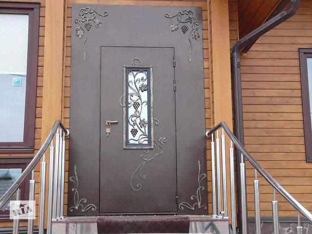 установка уличных входных металлических дверей в подъезд дома